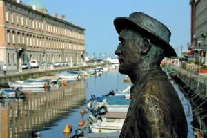 Itinerari-letterari-Trieste-statua-Joyce